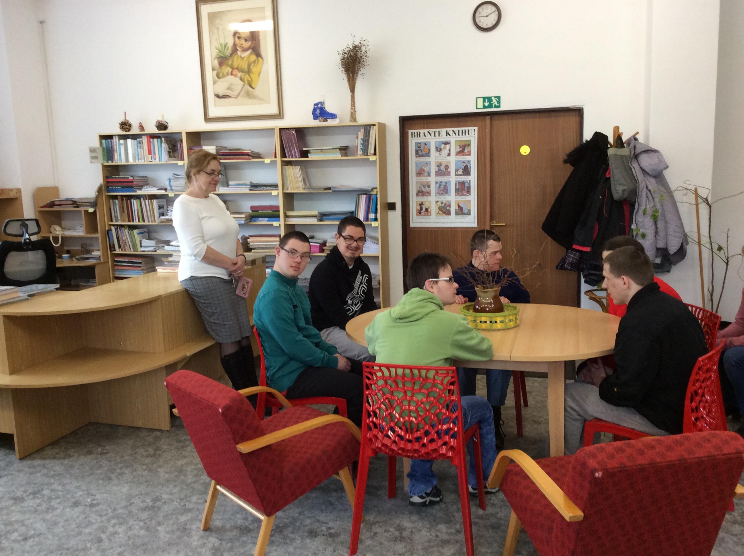 PrŠI - návštěva MěK Černovice